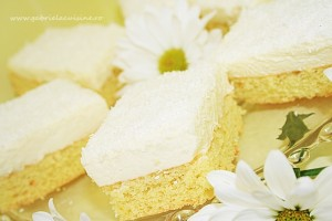 Prajitura cu mousse de mascarpone/ Cake with mascarpone mousse and white chocolate