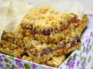 Prajitura cu merisoare si nuci de post/ Cranberry nuts bars