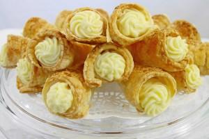 Cornetti cu crema de vanilie