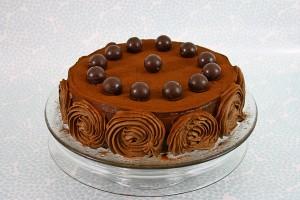 Tort cu nuca si ciocolata